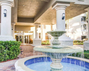 front entrance and fountain at Comfort Suites Weston - Sawgrass Mills South